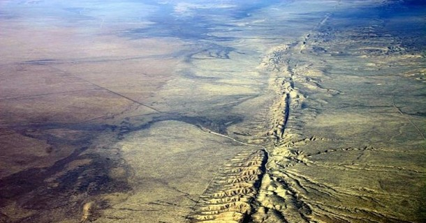 terremoto que dividiria america