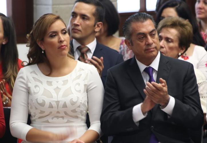"""LA ESPOSA DEL CANDIDATO INDEPENDIENTE """"EL BRONCO"""" VISITA PROGRESO"""